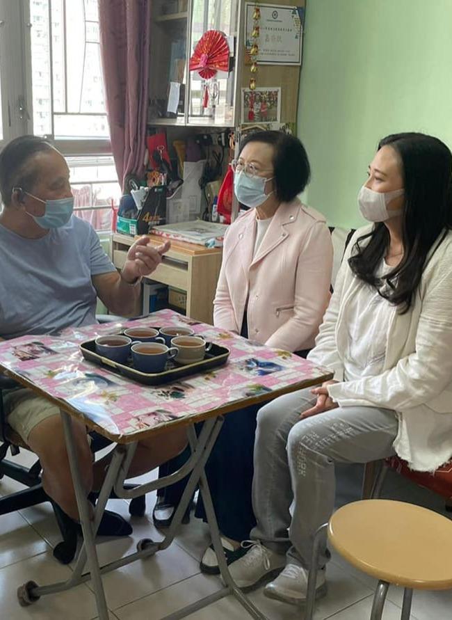 陳肇始葛珮帆訪馬鞍山基層家庭 了解居民醫療需要