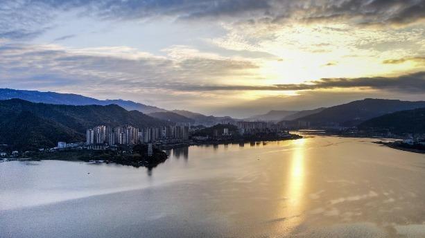 重慶漢豐湖 山水城相融